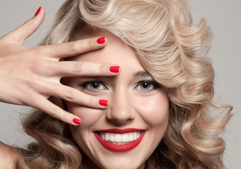 Colori per unghie evergreen: i fantastici quattro